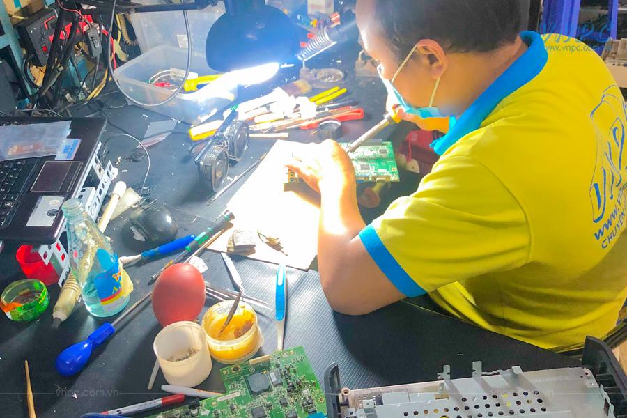 VNPC cung cấp dịch vụ sửa chữa máy chiếu lấy ngay tại quận 4