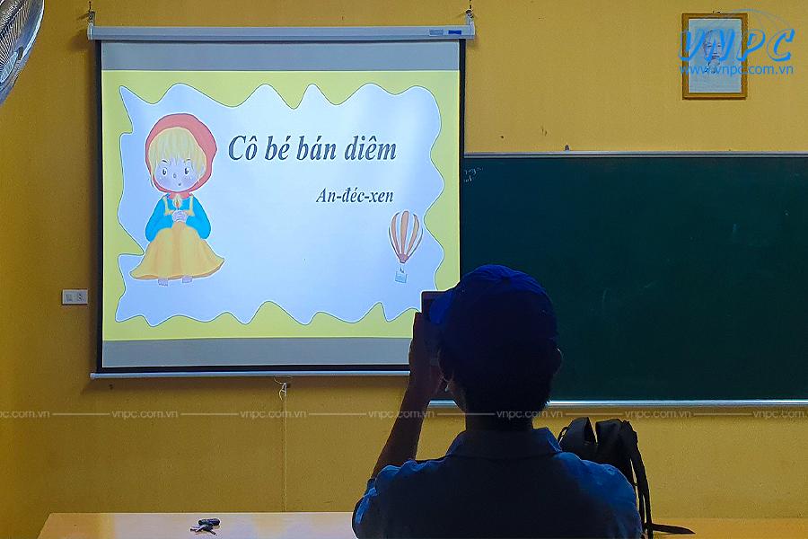 Lắp máy chiếu dạy học Optoma PS368 tại Trường Tả Thành Oai Hà Nội