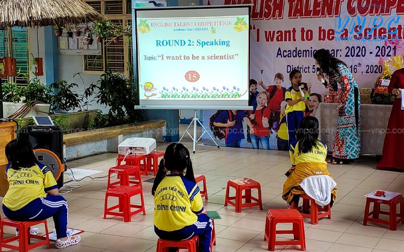 VNPC chuyên cho thuê máy chiếu sự kiện tại trường học