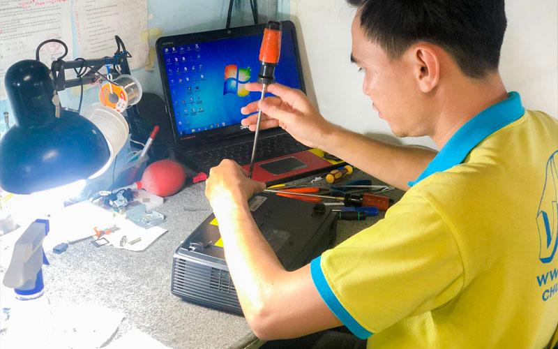 Dịch vụ bảo trì máy chiếu VNPC