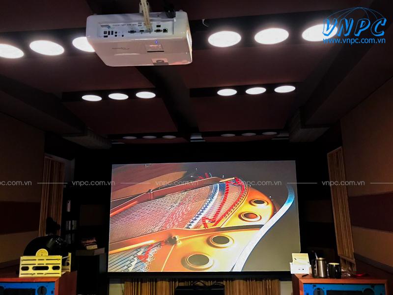Lắp đặt máy chiếu Optoma UHD52ALV