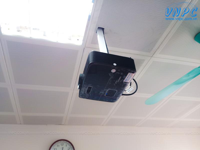 """Lắp máy chiếu Optoma PX390 và Màn chiếu 120"""" tại BV Sản Nhi Bắc Ninh"""