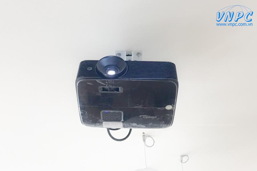 Lắp 2 bộ máy chiếu Optoma PS368 tại Trung tâm Anh ngữ Atlas