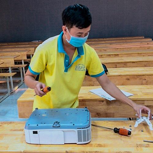 Sửa chữa bảo trì máy chiếu tận nơi